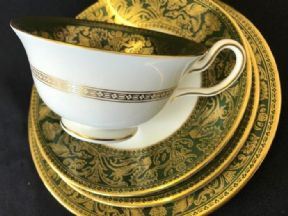 Modern WEDGWOOD tea trio with salad plate